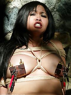 Lesbian Bondage Pics